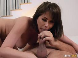 Super-Naughty dame does not know her neighbor's name, but she knows how his jizz tastes like