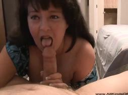 Humungous Cougar Internal Cumshot In Donk