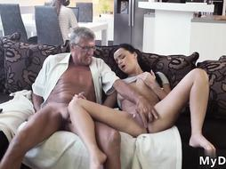 Girl lift and carry brunette fucked on hidden cam What