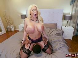 Amateur blonde milf hotel Her puss got opened up in