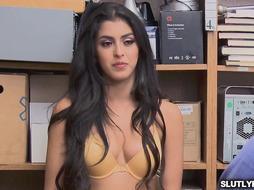 Officer Ryan cums on suspect Sophia